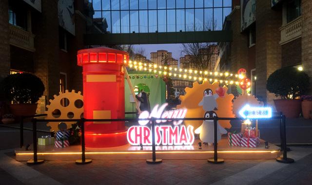 天津佛罗伦萨小镇圣诞节美陈