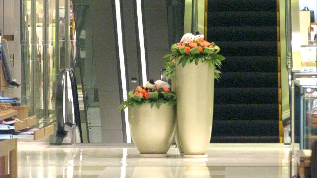 如何选购合适的玻璃钢花盆商业美陈